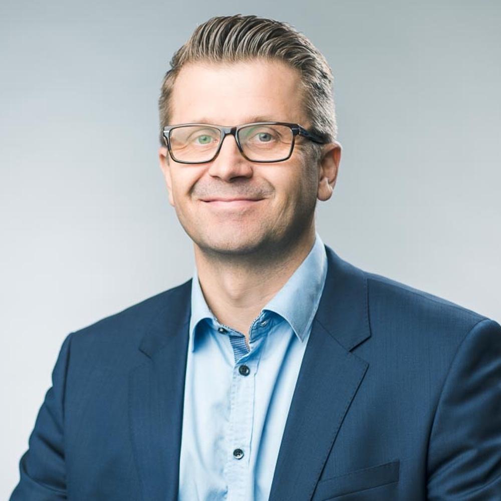 Aki Savolainen, toimitusjohtaja